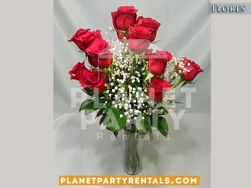 Arreglo de rosas con llovisna en vase clara para XV Quinceanera Eventos Religiosos