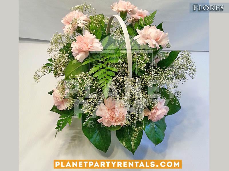 Arreglo de rosas rosa con llovisna en cansta para boda xv anos